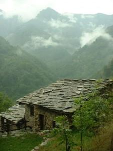 Colegiu valdenz pe văile Alpilor în Italia